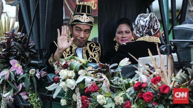 Jokowi mengklaim ada kenginan masyarakat di Papua bisa merasakan jalan seperti masyarakat di Pulau Jawa, Sumatera maupun Kalimantan.