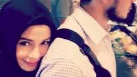 "<p>Aih mesranya Bunda<a href=""https://20.detik.com/e-flash/20180815-180815041/lana-devina-putri-primus-dan-jihan-fahira-yang-makin-cantik"" target=""_blank"">Jihan Fahira</a> dengan Ayah Primus. (Foto: Instagram @truejf)</p>"