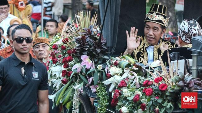 Jokowi punya sejumlah 'kemewahan' di Pilpres 2019 yakni didukung banyak parpol dan status petahana. Hampir semua lembaga mengunggulkan Jokowi dan Ma'ruf menang.