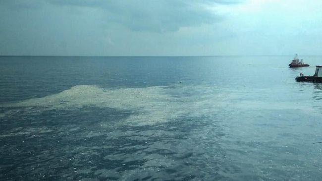 Menurut Kepala Basarnas Syaugi pesawat Lion Air JT-610 jatuh di wilayah Tanjung Karawang dengan kedalaman 30 hingga 35 meter dari permukaann laut.