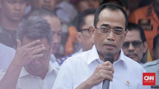 Menhub Budi Karya Sumadi menganggap harga tiket Rp21 juta pesawat Bandung-Medan melalui Kuala Namu tak masuk akal lantaran Traveloka menerapkan rute transit.
