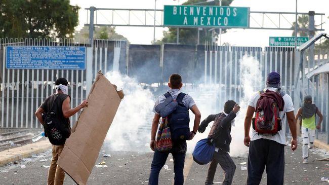 Imigran Frustasi dan Nekat Menerobos, AS Tutup Perbatasan