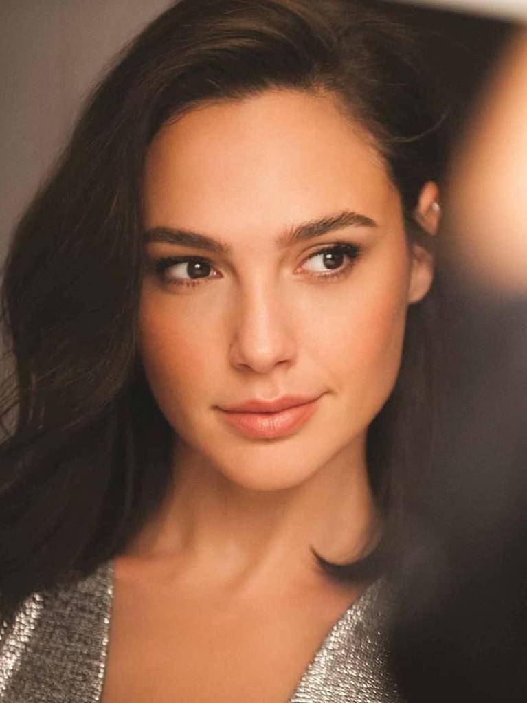 Hasil akhir jajak pendapat dari Starmometer telah memilih 10 wanita tercantik dunia. Liza Soberano berada di posisi pertama dan diikuti personel BLACKPINK.