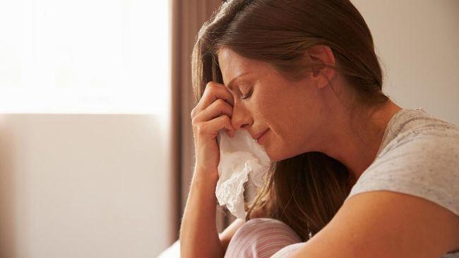 Saat semua cara dianggap tak ampuh, menangis jadi alternatif pilihan untuk meredakan stres.