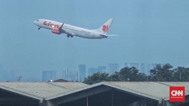 Lion Air memutuskan menghentikan penerbangan di 13 kota setelah Arab Saudi menghentikan penerbitan visa umrah.