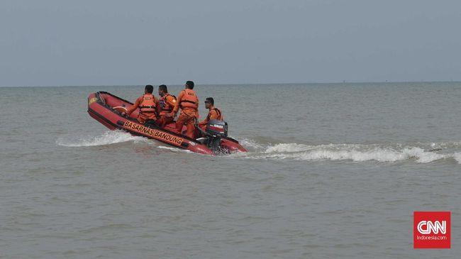 Tim SAR menemukan dua korban tewas kecelakaan kapal cepat di Banyuasin, Sumsel, serta menyelamatkan 10 nelayan dari kebakaran kapal di Wakatobi.