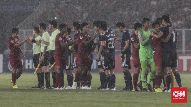 Orang tua bek Timnas Indonesia U-19, Rachmat Irianto, bangga melihat perjuangan anaknya meski kalah dari Jepang di perempat final Piala Asia U-19 2018.