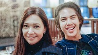 <p>Walau sibuk kuliah di luar negeri, nggak mengurangi bonding time Maia dengan jagoannya, El. (Foto: Instagram/maiaestiantyreal)</p>