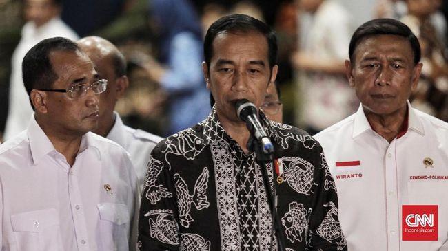 Jokowi mengatakan alasan kemanusian jadi pertimbangan utama membebaskan Abu Bakar Ba'asyir. Rencana itu disebutnya juga telah mempertimbangkan aspek keamanan.