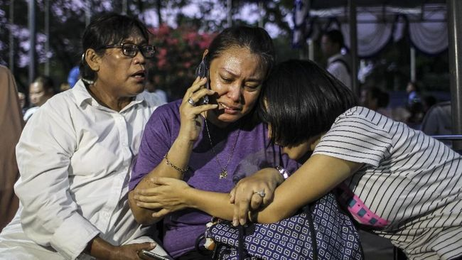 Perhimpunan Advokat Indonesia akan membantu keluarga korban untuk mempelajari langkah hukum yang akan dilakukan terhadap jatuhnya Lion Air JT-610.
