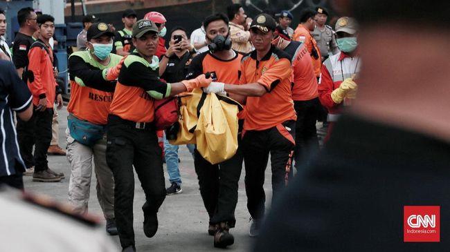 Gubernur Babel Erzaldi Rosman Djohan keluarga korban pesawat Lion Air JT-610 meminta agar pencarian dan proses identifikasi dipercepat.
