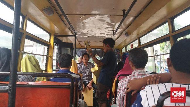 Pengamen jalanan korban salah tangkap di kawasan Cipulir Jakarta Selatan menuntut ganti rugi dari Polda Metro Jaya, Kejati DKI dan Kemenkeu sebesar Rp750 juta.