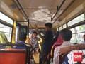 Suara Hati Pengamen dan Punahnya Ruang Kritik di Metromini