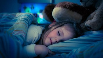 5 Cara agar Anak Tidak Takut Gelap