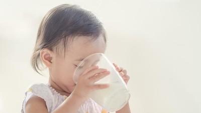 3 Risiko Anak Terlalu Banyak Minum Susu hingga Tak Mau Makan