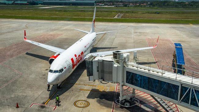 PT Lion Mentari Airlines sempat meminta penundaan pembayaran jasa kebandarudaraan ke PT Angkasa Pura I  karena mengalami kesulitan keuangan.