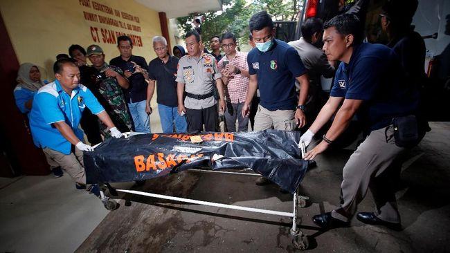 Sebanyak 14 korban dari 189 penumpang Lion Air PK-LQP berhasil diidentifikasi petugas berkat uji sampel DNA, sidik jari, tanda medis, hingga properti korban.