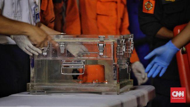 Basarnas menyebut suara 'ping' dari kotak hitam alias black box pesawat Lion Air menghilang setelah sebelumnya terdengar lemah.
