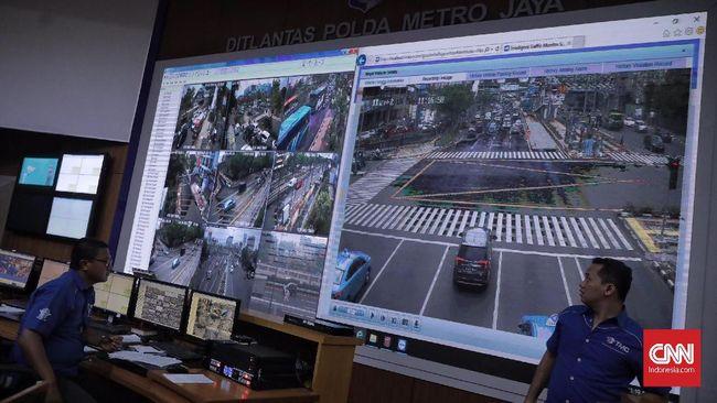 Pemberlakuan tilang elektronik di Jakarta dimulai di dua ruas yakni sepanjang Sudirman-Thamrin dan ruas Transjakarta koridor enam.