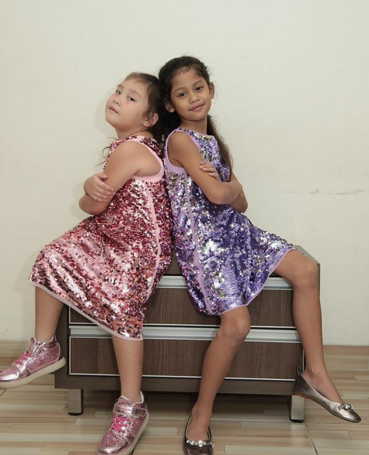 <p>Sisters pose, kece abis ya, Bun. (Foto: Instagram @jelley.sc)</p>