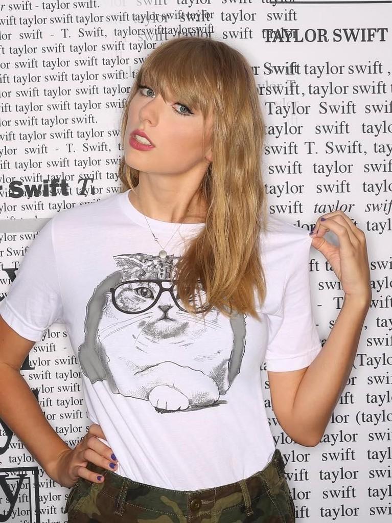 Taylor Swift. Pelantun Shake It Off ini menempati posisi keenam musisi dengan bayaran termahal 2018. Diketahui Swift memperoleh bayaran sebesar Rp1,1 triliun.