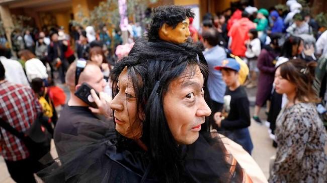 Dalam foto unik pilihan CNNIndonesia.com pekan ini, ada parade perayaan Halloween, hingga perjalanan ribuan kilometer para imigran yang mencari penghidupan.