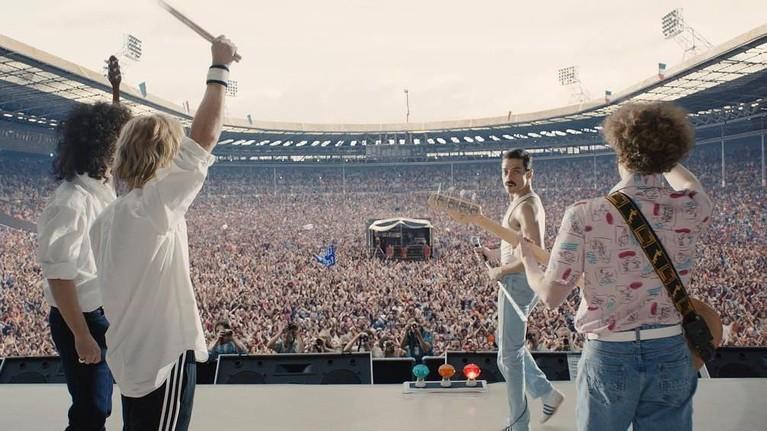 Pembuatan Lagu Bohemian Rhapsody.Insertizen akan melihat bagaimana proses pembuatan lagu legendarisBohemian Rhapsody,hingga lagu itu ditolak oleh produser. Diketahui hingga kini belum ada satu pun yang mampu meniru pembuatan lagu tersebut.
