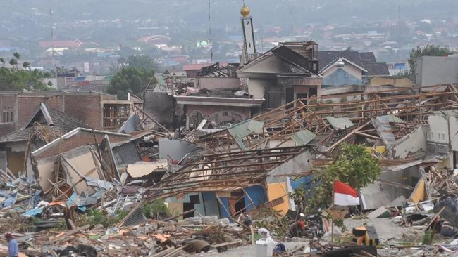 Asosiasi Asuransi Umum Indonesia memprediksi hingga 25 Oktober 2018 klaim asuransi yang harus dibayar atas gempa Palu dan Lombok mencapai Rp1,17 triliun.