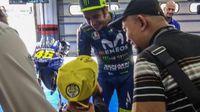 Rossi Crash, Bocah Komentator Motogp Dari Indonesia Menangis