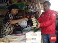 Politik Pasar Jokowi dan Sandi: Pertaruhan Ceruk Kelas Bawah