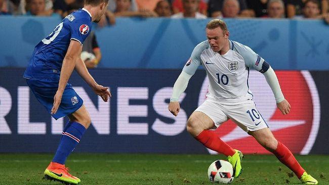 Mantan wasit Liga Inggris Mark Clattenburg mengaku pernah mengutuk timnas Inggris di Piala Eropa 2016 jelang dimulainya Euro 2020 (Euro 2021).