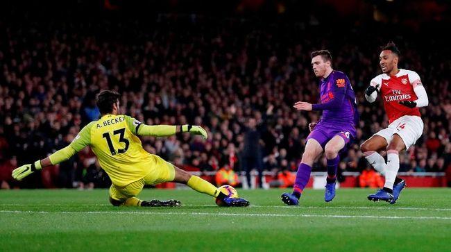 Duel Arsenal vs Liverpool berakhir imbang 0-0 pada babak pertama lanjutan Liga Primer Inggris di Stadion Emirates, Sabtu (3/11) waktu setempat.