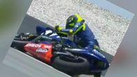 Saat Rossi Jatuh Dan Tersungkur Ke Posisi Akhir Motogp Malaysia