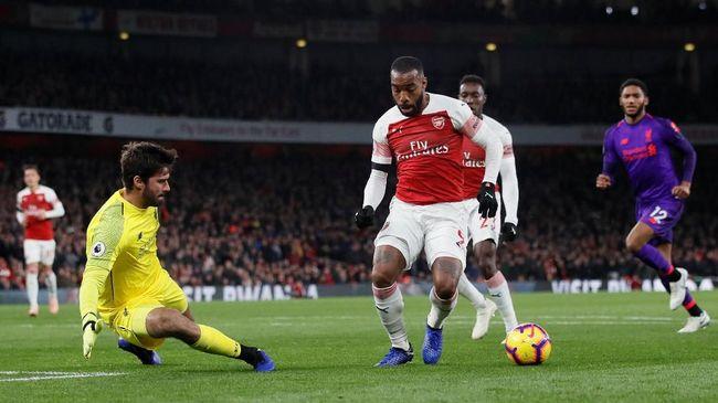 Duel sengit antara Arsenal vs Liverpool berakhir imbang 1-1 pada laga lanjutan Liga Primer Inggris di Stadion Emirates, Sabtu (3/11) waktu setempat.