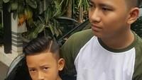 <p>Kenalin, Bun, ini dua anak laki-laki Soimah. Yang pertama namanya Aksa Uyun Dananjaya, yang kedua Diksa Naja Naekonang. (Foto: Instagram @showimah)<br /><br /></p>