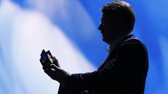 Samsung akhirnya umumkan prototipe ponsel lipat miliknya di Konferensi Pengembang di San Francisco, Amerika Serikat.