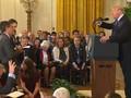 VIDEO: Adu Mulut dengan Trump, Mikrofon Wartawan CNN Ditarik