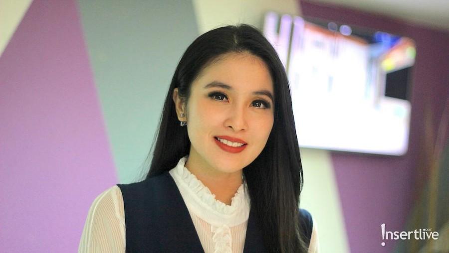 Bak Princess, Disney Pesan Satu Bioskop untuk Sandra Dewi