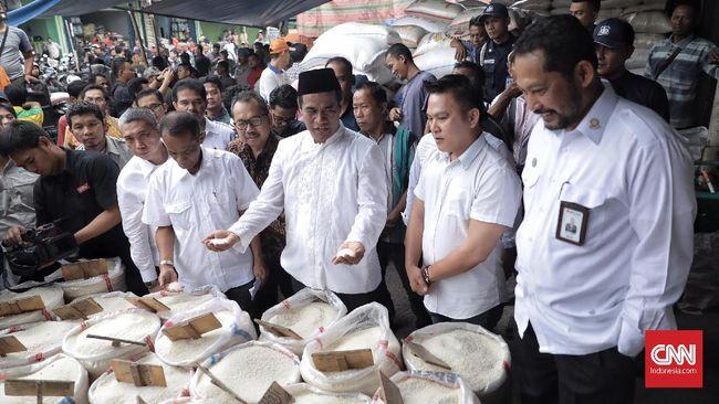 Swasembada menjadi cita-cita Presiden Jokowi sejak awal kepemimpinannya. Seperti apa realitanya saat ini, mengingat impor pangan membanjiri pasar.