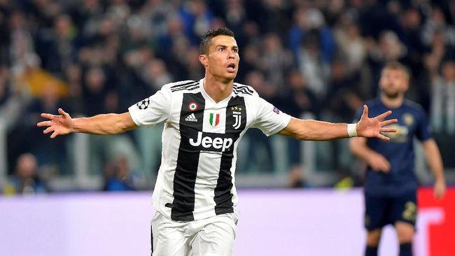 Saudara perempuan Cristiano Ronaldo menuding ada keterlibatan mafia dalam acara penghargaan pemain terbaik Ballon d'Or 2018 yang memenangkan Luka Modric.