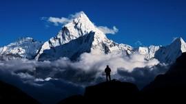 Wanita Hong Kong Pecahkan Rekor Mendaki Everest Tercepat