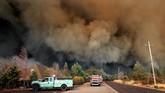 Kebakaran hutan menghancurkan Kota Paradise, utara California, Amerika Serikat, hingga memaksa sedikitnya 26 ribu orang dievakuasi.