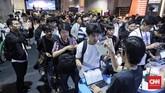 Urban Sneakers Society (USS) yang digelar untuk ketiga kalinya di Pasific Place, SCBC, Jakarta, Jumat (9/11) mengundang animo masyarakat yang tinggi.