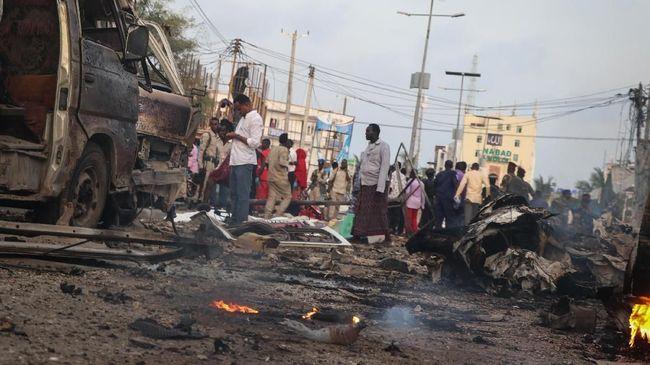 Serangan di hotel dekat pantai Lido di Mogadishu, Somalia menewaskan 11 orang, termasuk 10 warga sipil dan satu petugas polisi pada Minggu (16/8).