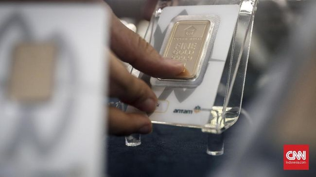 Harga jual emas Antam naik Rp8.000 ke Rp940 ribu per gram pada perdagangan Rabu (22/4) pagi.
