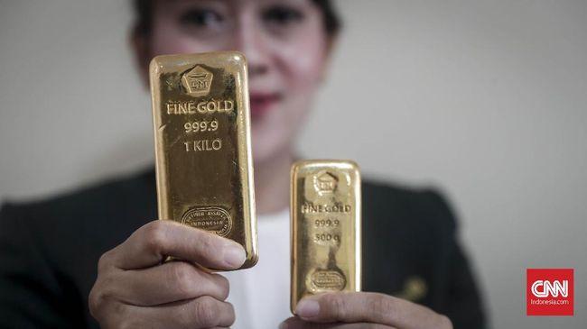 Harga emas Antam menguat ke Rp2.000 ke posisi Rp743 ribu per gram mengikuti harga logam mulia di pasar internasional.