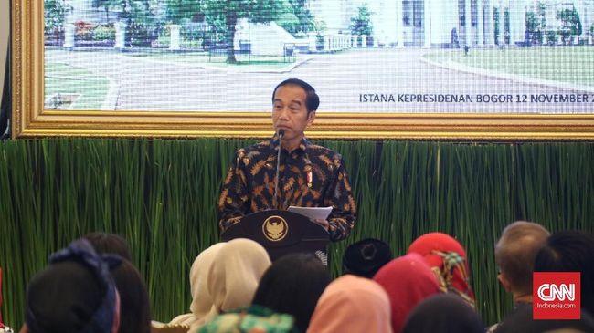 Presiden Joko Widodo menyebut bengkaknya defisit transaksi berjalan saat ini akibat tak dibangunnya industri