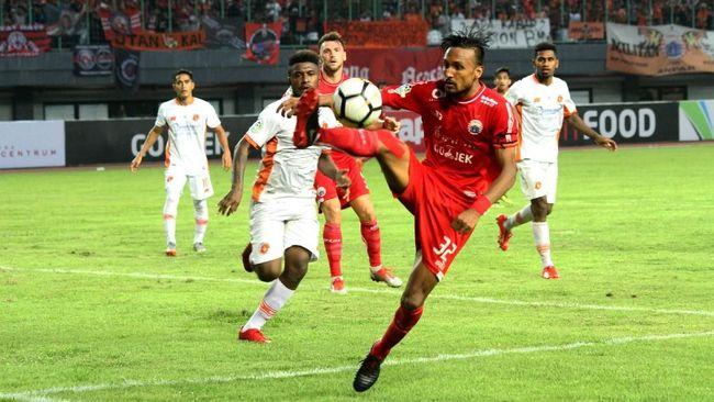 PT Liga Indonesia Baru (LIB) telah menentukan tiga kandidat pemain terbaik beserta nomine pemain muda terbaik dan pelatih terbaik jelang Liga 1 2018 usai.