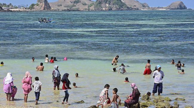 Festival Pesona Bau Nyale memperingati kisah pengorbanan Putri Mandalika demi mempertahankan harga dirinya.