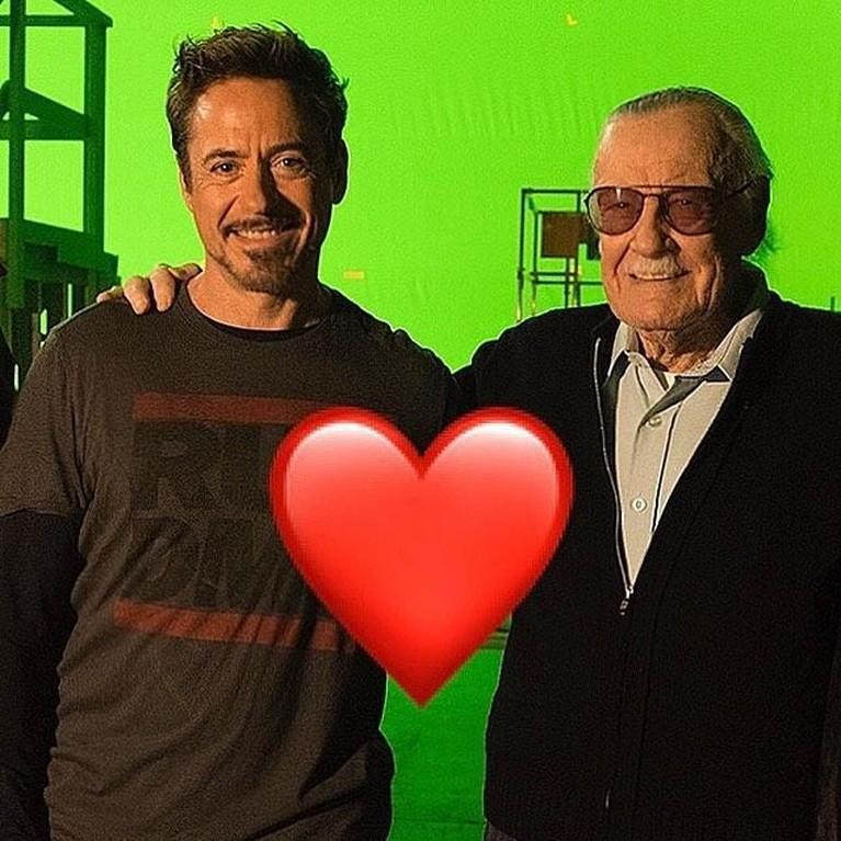 Robert Downey Jr. Pemeran Iron Man ini mengungkapkan dukanya yang mendalam atas kematian Stan Lee. Sosok Iron Man menjadi salah satu karya yang terkenal buatan Lee.